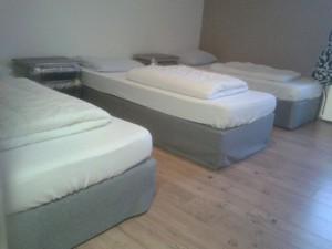 Vernieuwde bedden in het Guesthouse
